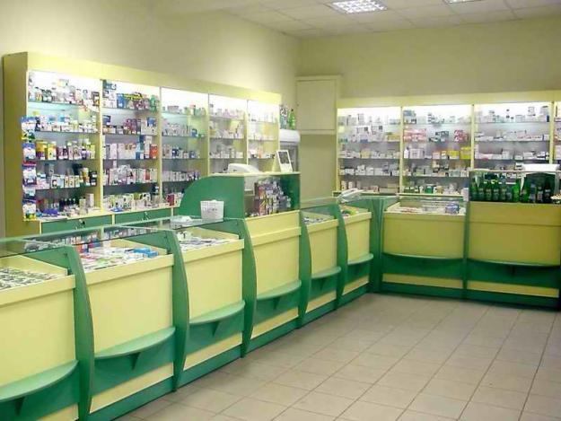 торговое оборудование зала аптеки